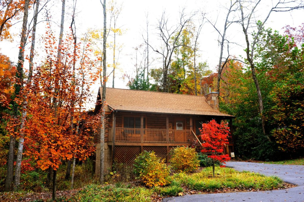 Photo of a Pigeon Forge Cabin named  Country Charm - This is the first photo in the set.