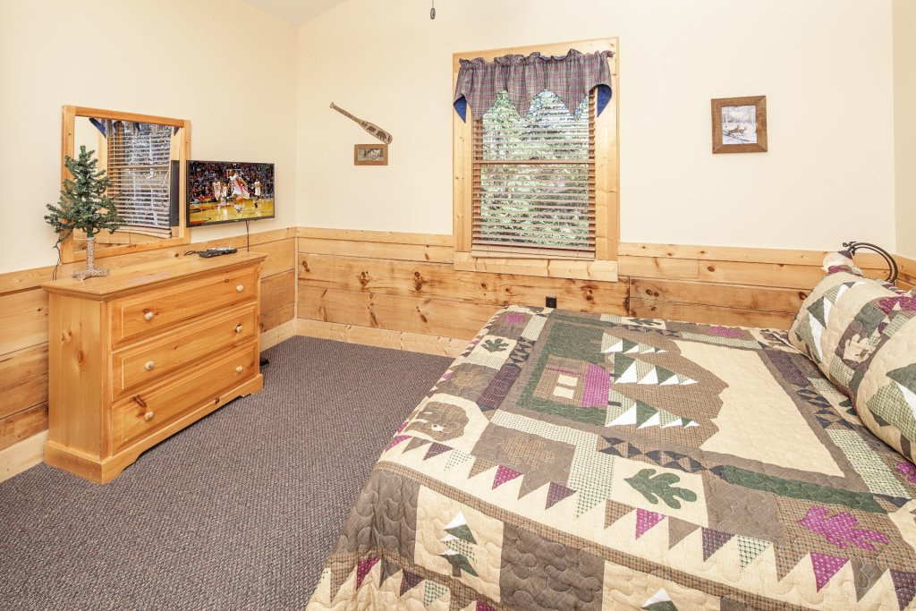 Photo of a Pigeon Forge Cabin named  Soaring Eagles - This is the fifteenth photo in the set.