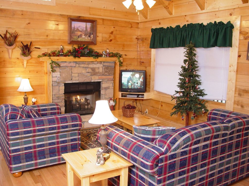 Photo of a Pigeon Forge Cabin named  Country Charm - This is the second photo in the set.
