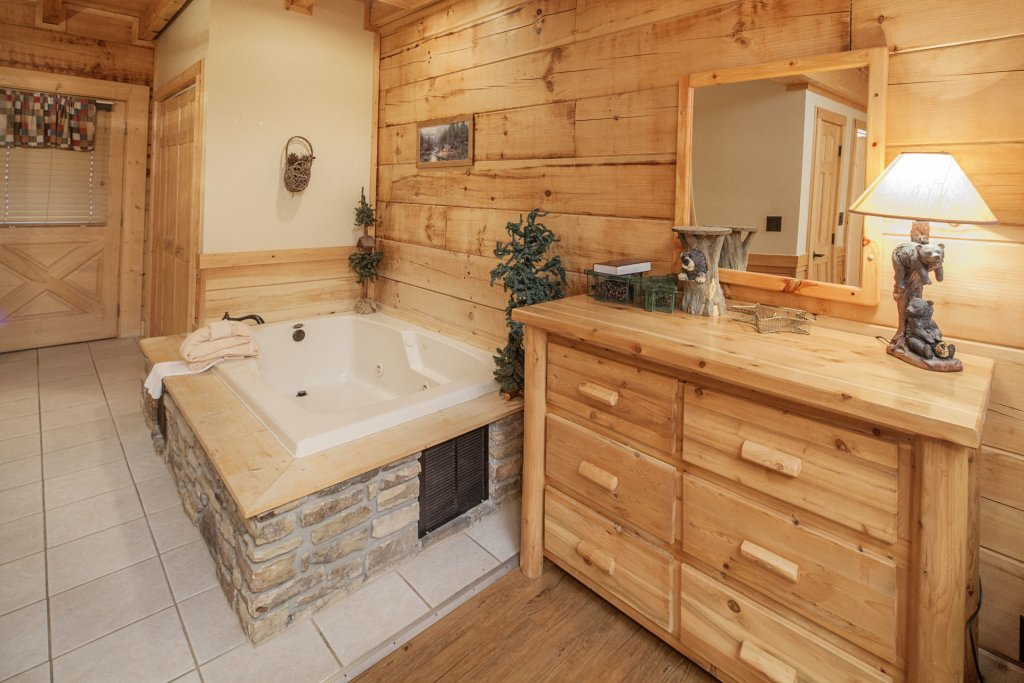 Photo of a Pigeon Forge Cabin named  Soaring Eagles - This is the tenth photo in the set.