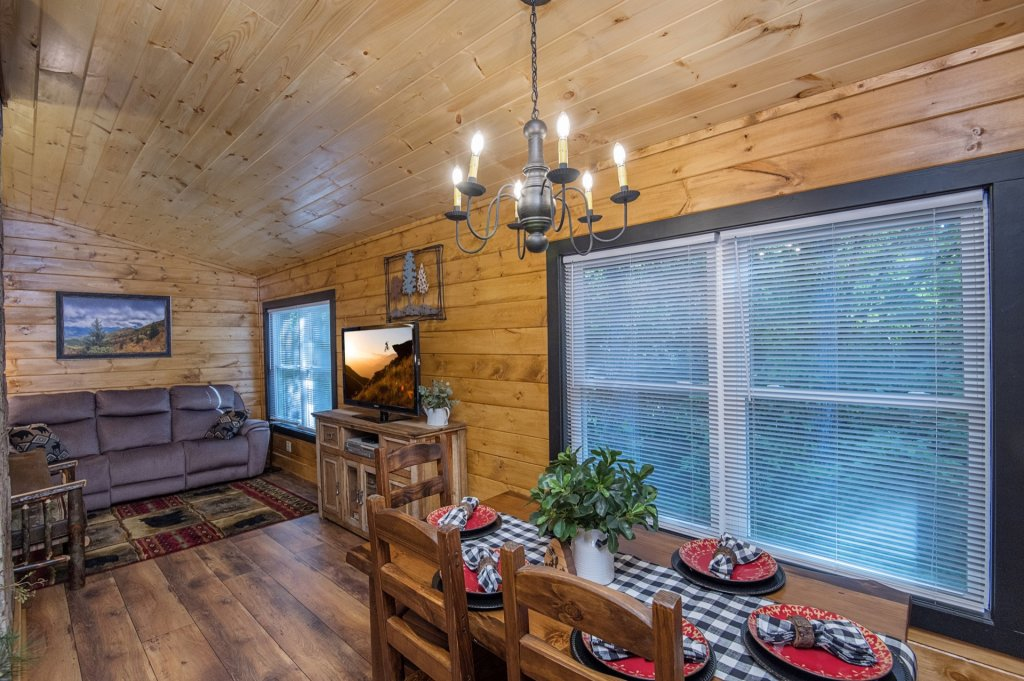 Photo of a Pigeon Forge Cabin named  Sweet Memories - This is the fifth photo in the set.