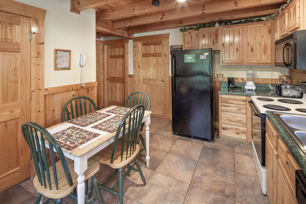 Photo of a Pigeon Forge Cabin named  Heavenly Peace - This is the eighth photo in the set.