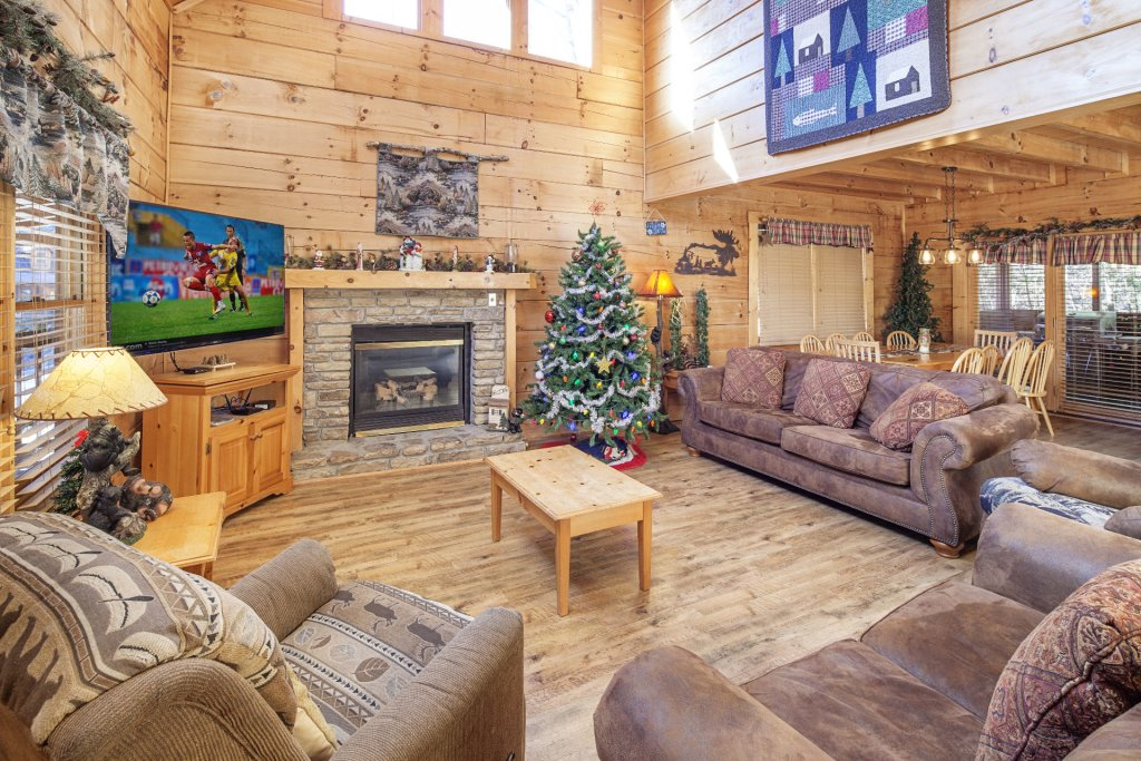 Photo of a Pigeon Forge Cabin named  Soaring Eagles - This is the second photo in the set.