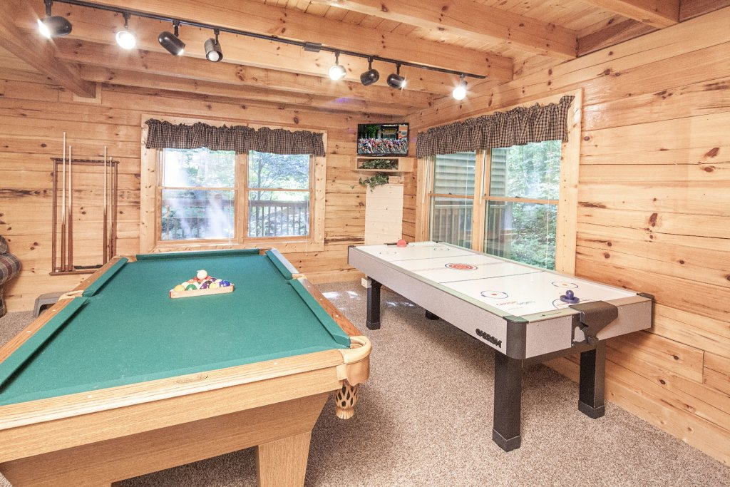 Photo of a Pigeon Forge Cabin named  Bear Right Inn - This is the seventh photo in the set.