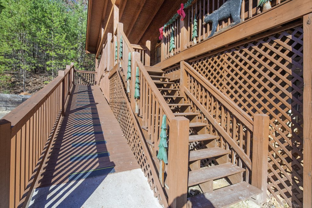 Photo of a Pigeon Forge Cabin named  Soaring Eagles - This is the twenty-sixth photo in the set.
