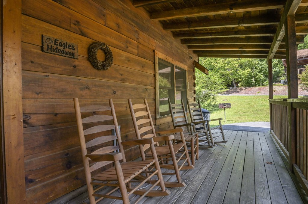 Photo of a Pigeon Forge Cabin named  Eagle's Hideaway - This is the nineteenth photo in the set.