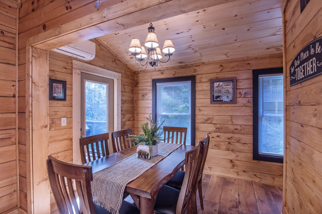 Photo of a Pigeon Forge Cabin named  Sweet Memories - This is the eighth photo in the set.
