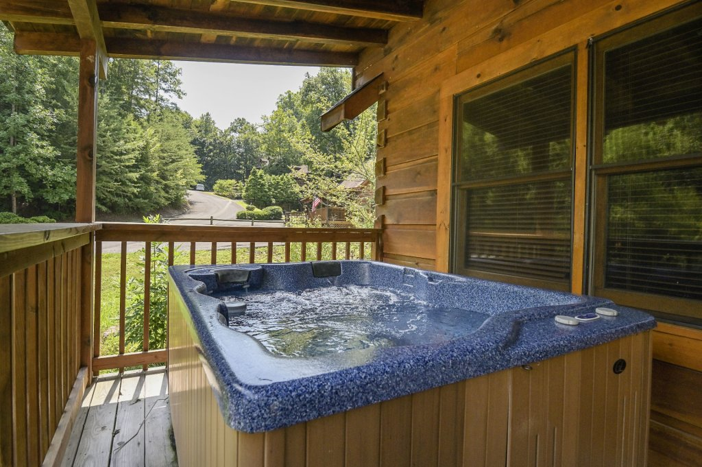 Photo of a Pigeon Forge Cabin named  Eagle's Hideaway - This is the eighteenth photo in the set.