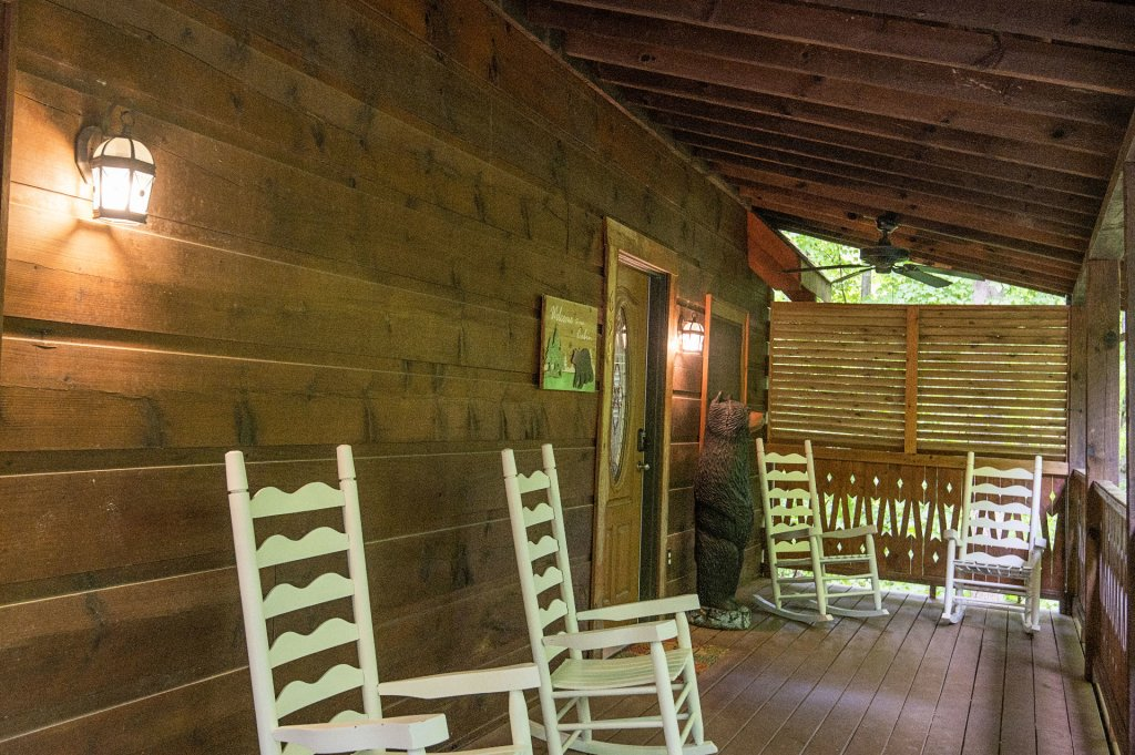 Photo of a Pigeon Forge Cabin named Er96 Squirrel's Leap - This is the twenty-first photo in the set.
