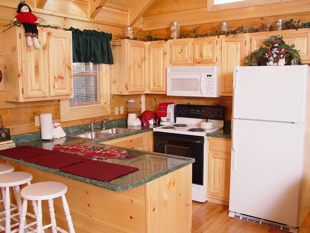 Photo of a Pigeon Forge Cabin named  Country Charm - This is the third photo in the set.