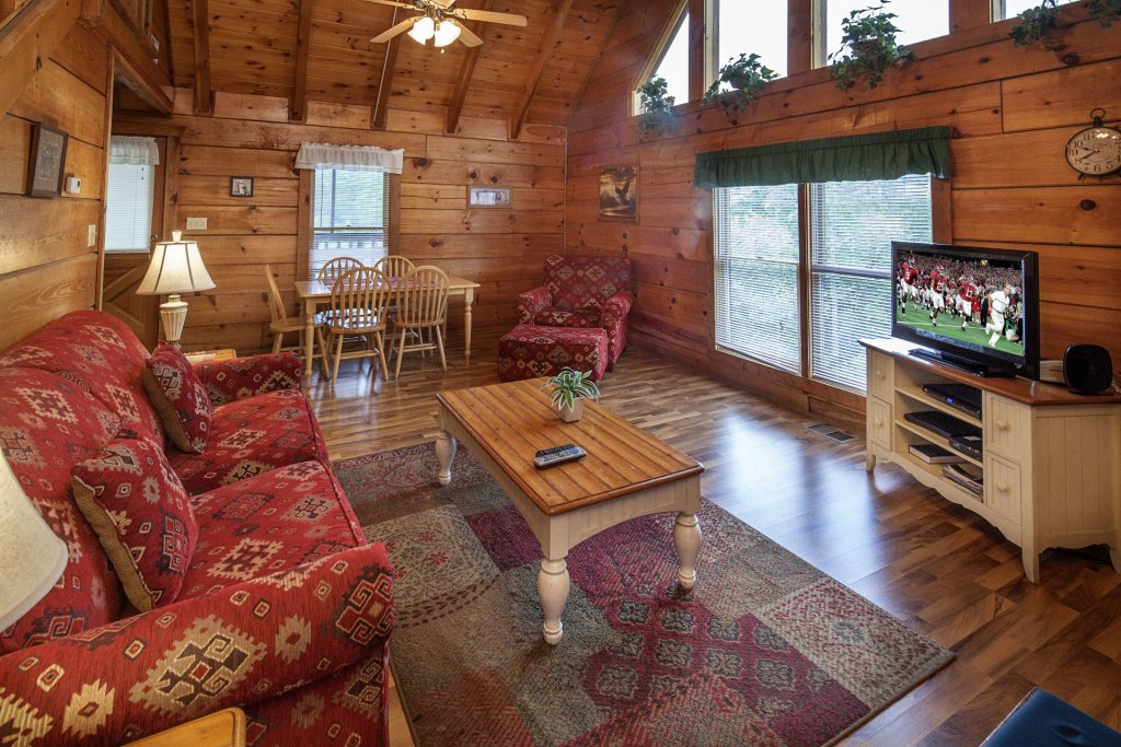 Photo of a Pigeon Forge Cabin named  The View - This is the second photo in the set.