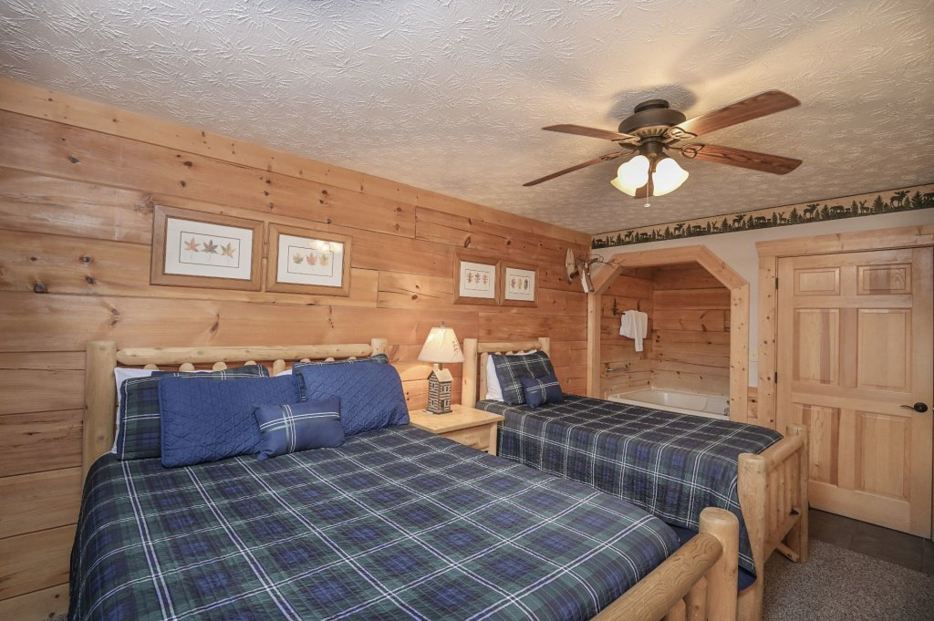 Photo of a Pigeon Forge Cabin named  Eagle's Hideaway - This is the tenth photo in the set.