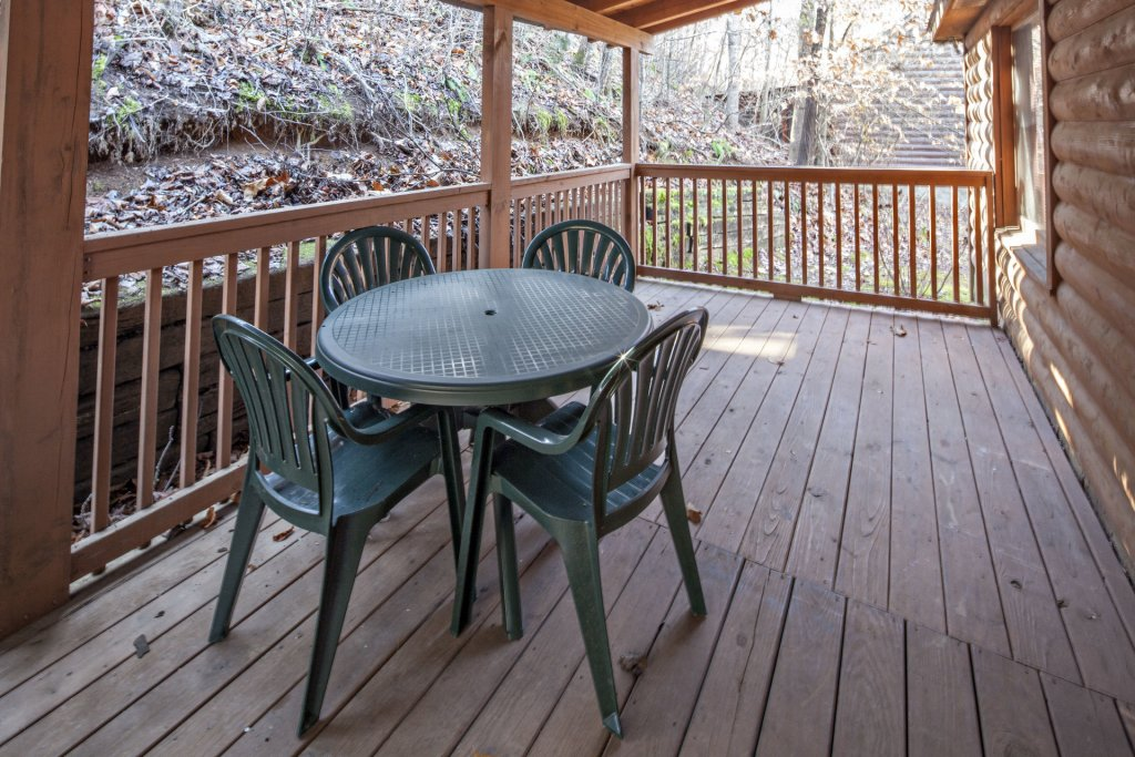 Photo of a Pigeon Forge Cabin named  Grandpa's Getaway - This is the twenty-first photo in the set.