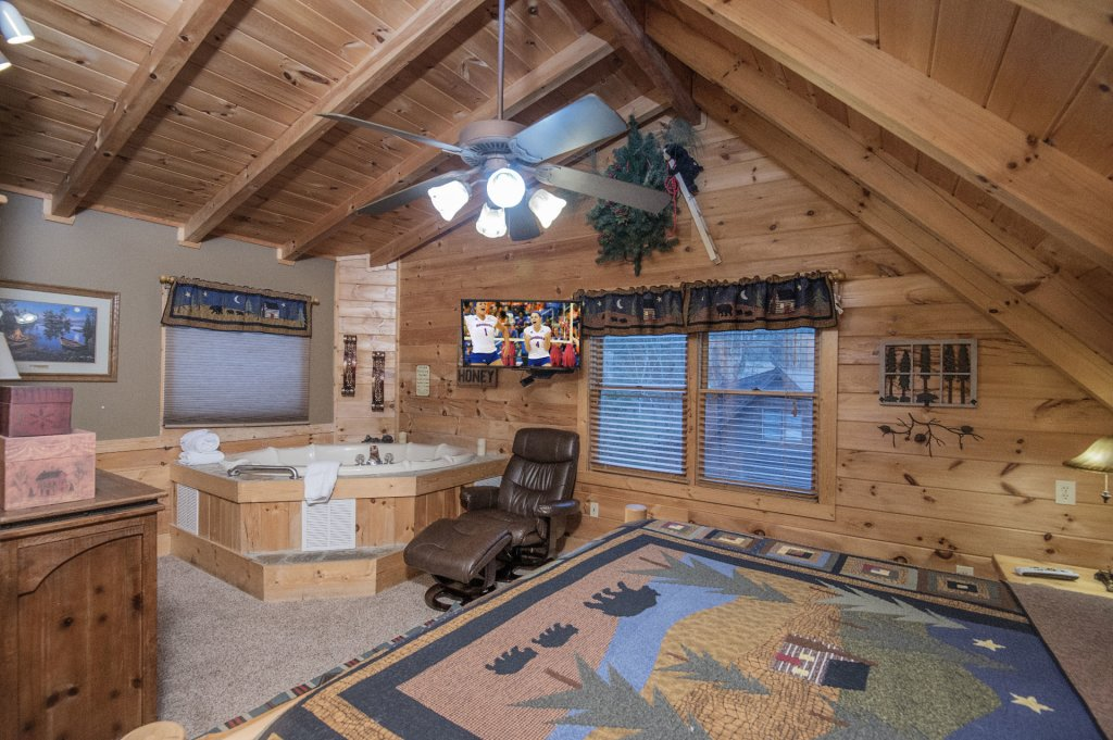 Photo of a Pigeon Forge Cabin named  Sweet Memories - This is the forty-first photo in the set.