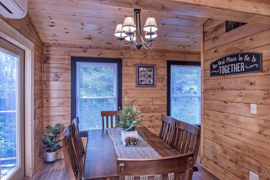 Photo of a Pigeon Forge Cabin named  Sweet Memories - This is the seventh photo in the set.