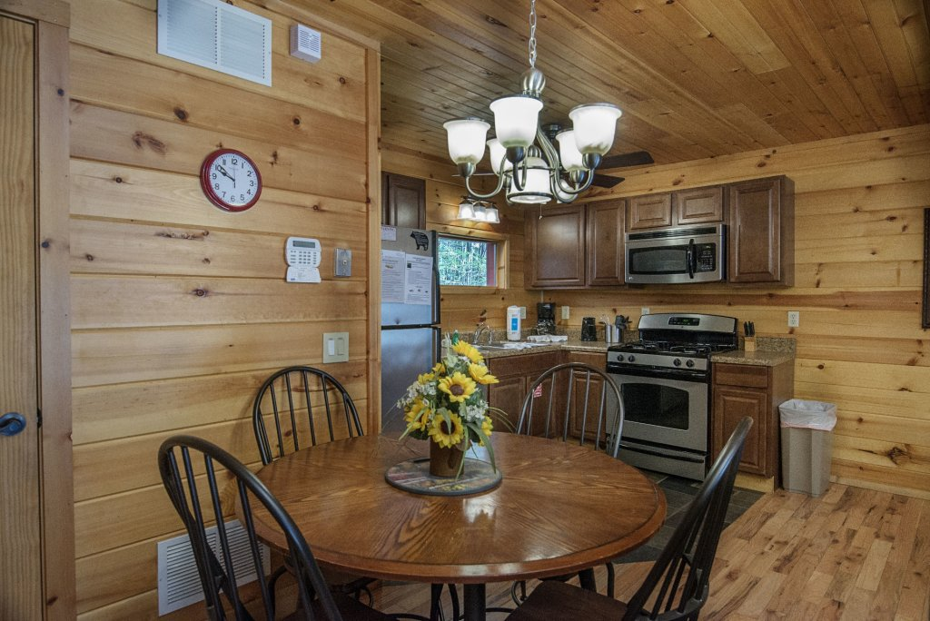 Photo of a Gatlinburg Cabin named Simple Pleasures - This is the eighth photo in the set.