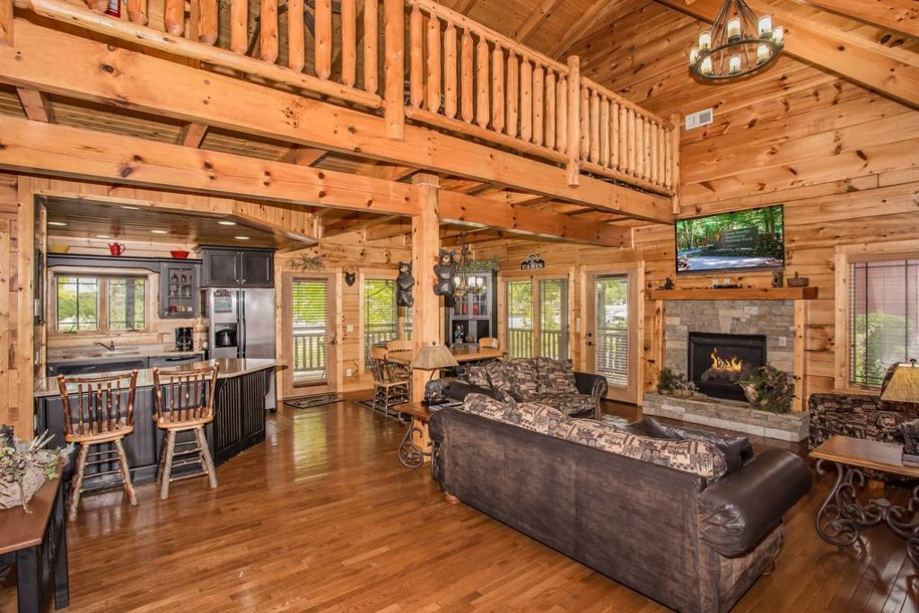 Photo of a Pigeon Forge Cabin named River's Edge - This is the second photo in the set.