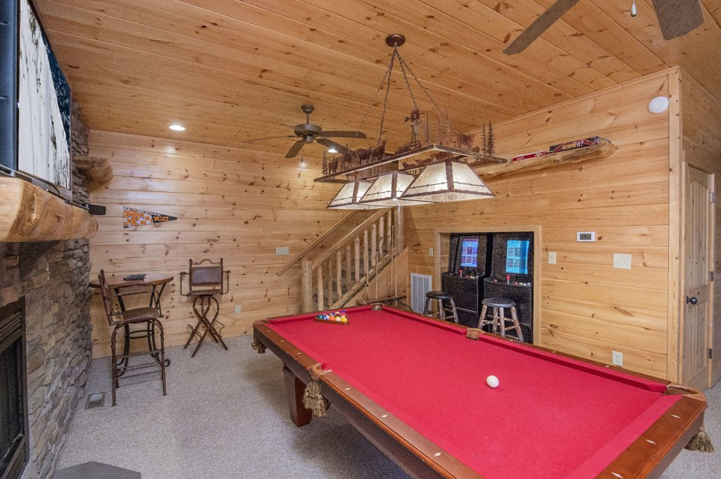 Photo of a Sevierville Cabin named Arrowhead Lodge - This is the seventh photo in the set.