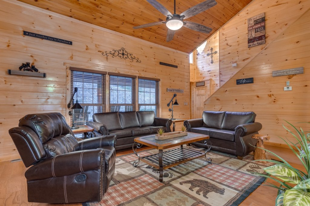 Photo of a Gatlinburg Cabin named Luxury Mountain Lodge - This is the fourth photo in the set.