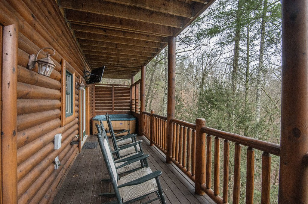 Photo of a Sevierville Cabin named Arrowhead Lodge - This is the twenty-second photo in the set.