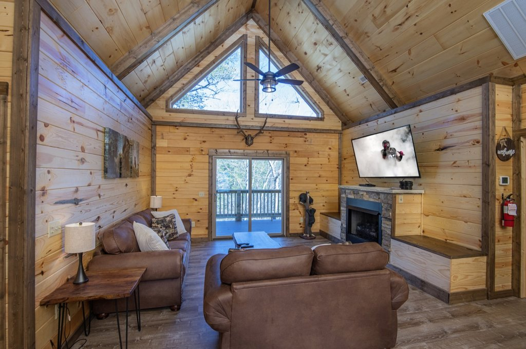 Photo of a Sevierville Cabin named  Smoky Oasis - This is the third photo in the set.
