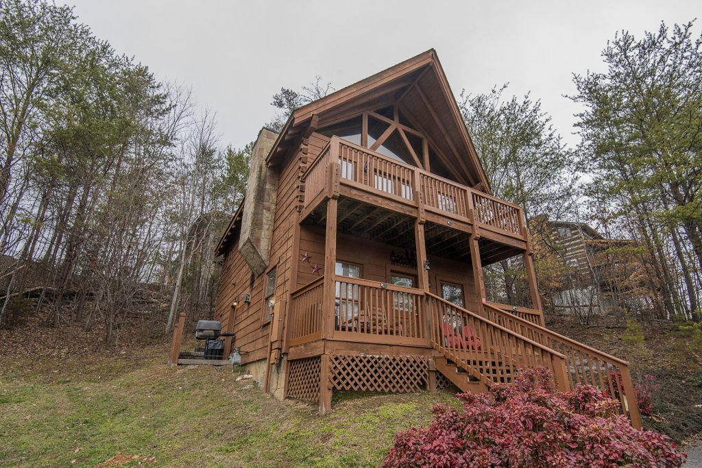 Photo of a Pigeon Forge Cabin named  Six Bear Lodge Cabin - This is the eighteenth photo in the set.