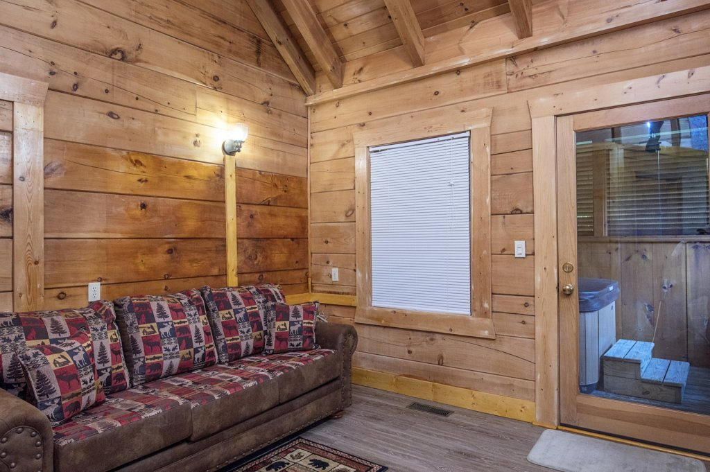 Photo of a Pigeon Forge Cabin named  Six Bear Lodge Cabin - This is the twenty-third photo in the set.