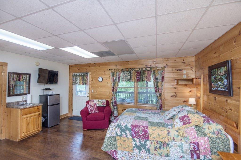 Photo of a Pigeon Forge Cabin named  Al's Nest - This is the twelfth photo in the set.