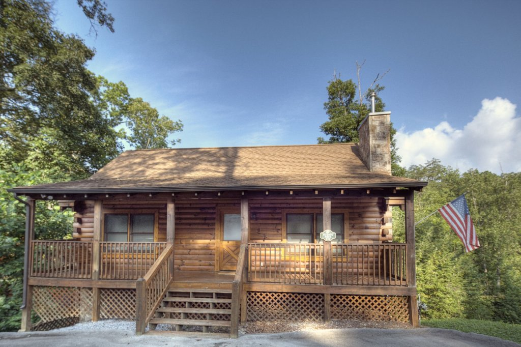 Photo of a Pigeon Forge Cabin named  Al's Nest - This is the first photo in the set.