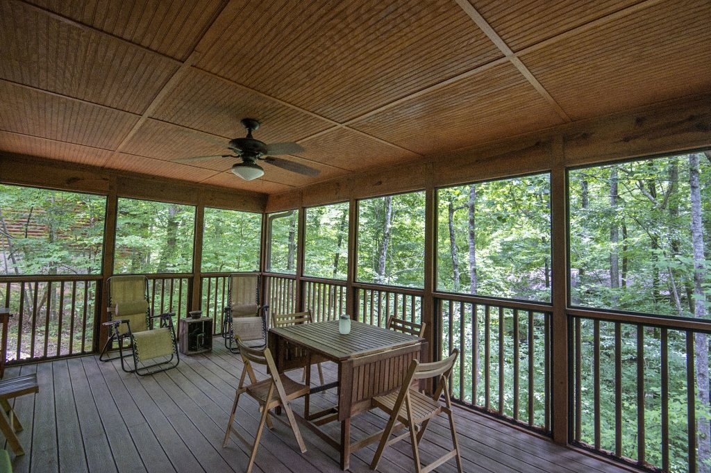 Photo of a Pigeon Forge Cabin named  Rising Eagle - This is the sixteenth photo in the set.