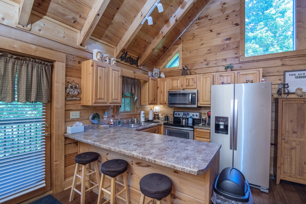 Photo of a Pigeon Forge Cabin named  Al's Nest - This is the sixth photo in the set.