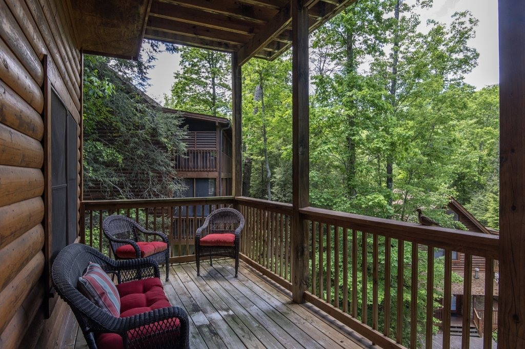 Photo of a Pigeon Forge Cabin named  Al's Nest - This is the twentieth photo in the set.