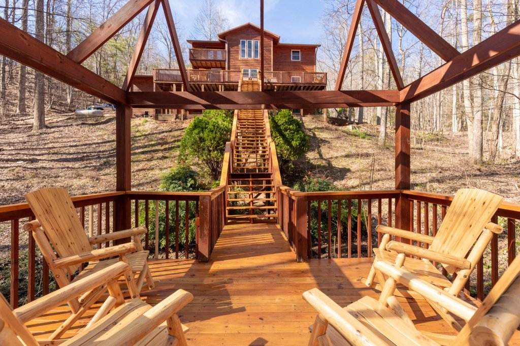 Photo of a Gatlinburg Cabin named Luxury Mountain Lodge - This is the second photo in the set.