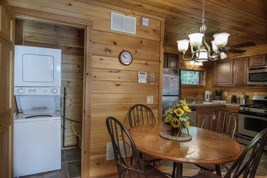 Photo of a Gatlinburg Cabin named Simple Pleasures - This is the ninth photo in the set.