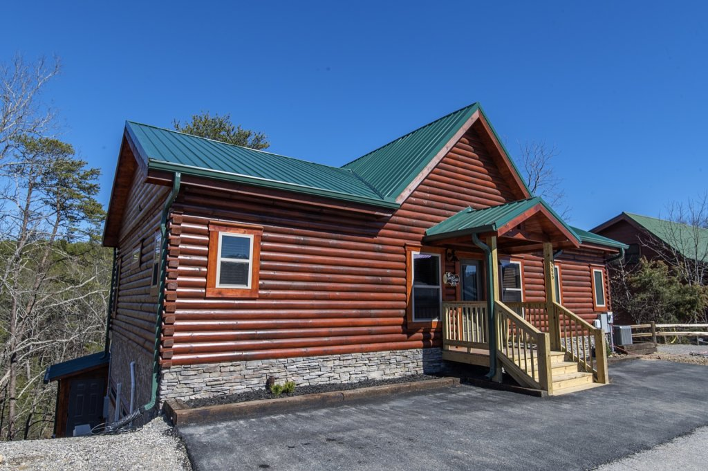 Photo of a Sevierville Cabin named  Smoky Oasis - This is the first photo in the set.