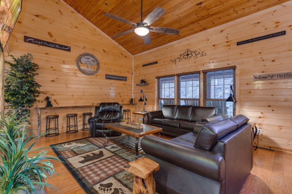 Photo of a Gatlinburg Cabin named Luxury Mountain Lodge - This is the sixth photo in the set.
