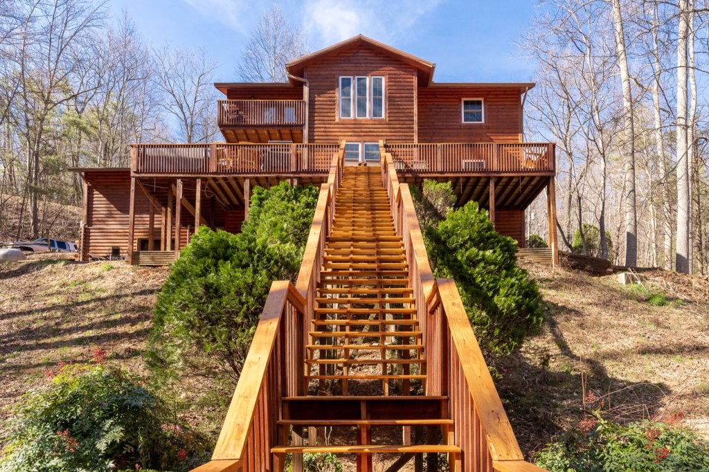 Photo of a Gatlinburg Cabin named Luxury Mountain Lodge - This is the first photo in the set.