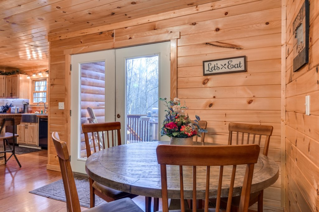 Photo of a Gatlinburg Cabin named Luxury Mountain Lodge - This is the eighth photo in the set.