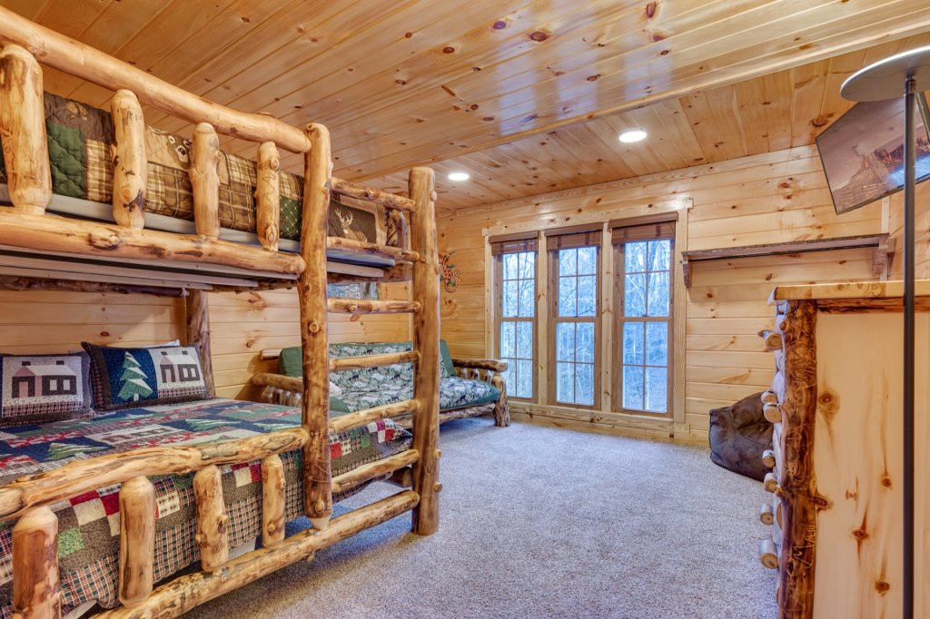 Photo of a Gatlinburg Cabin named Luxury Mountain Lodge - This is the forty-seventh photo in the set.