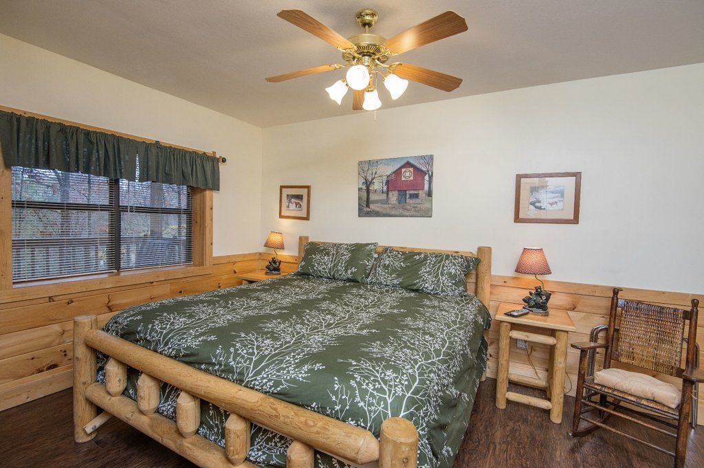 Photo of a Pigeon Forge Cabin named  Smoky Mountain Charm - This is the twenty-first photo in the set.