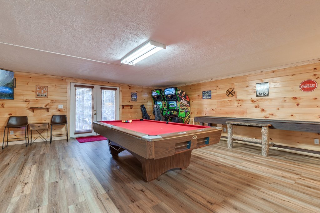 Photo of a Gatlinburg Cabin named Luxury Mountain Lodge - This is the twenty-first photo in the set.