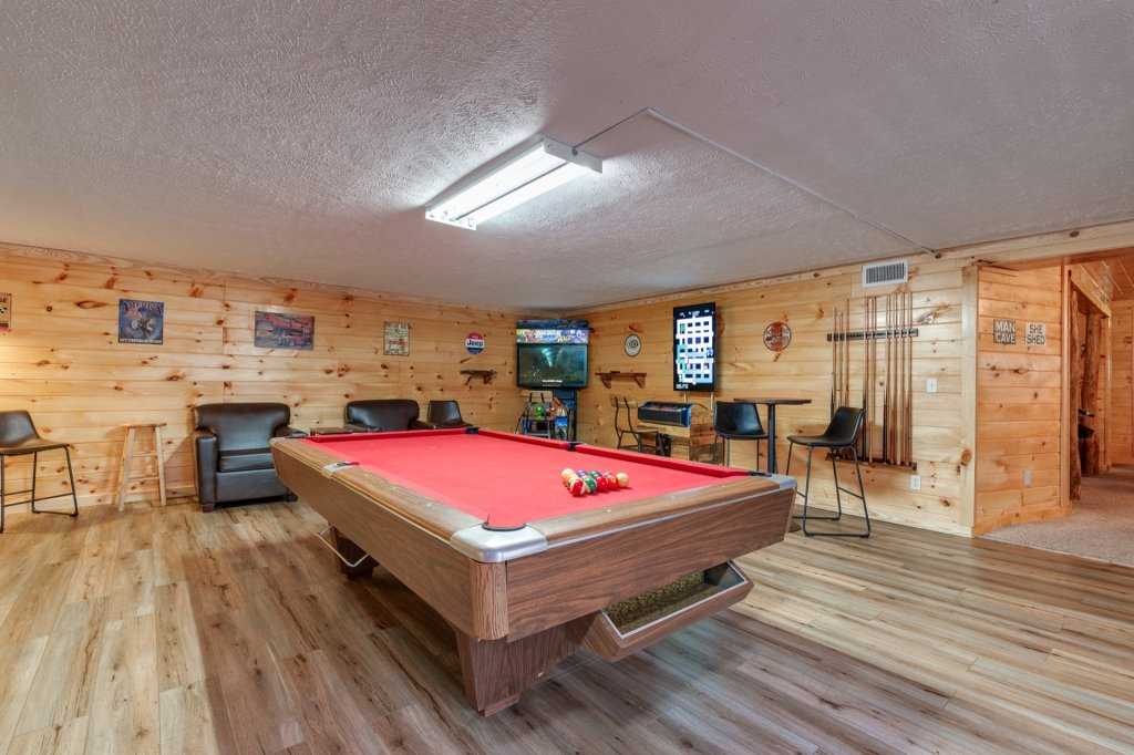 Photo of a Gatlinburg Cabin named Luxury Mountain Lodge - This is the seventeenth photo in the set.
