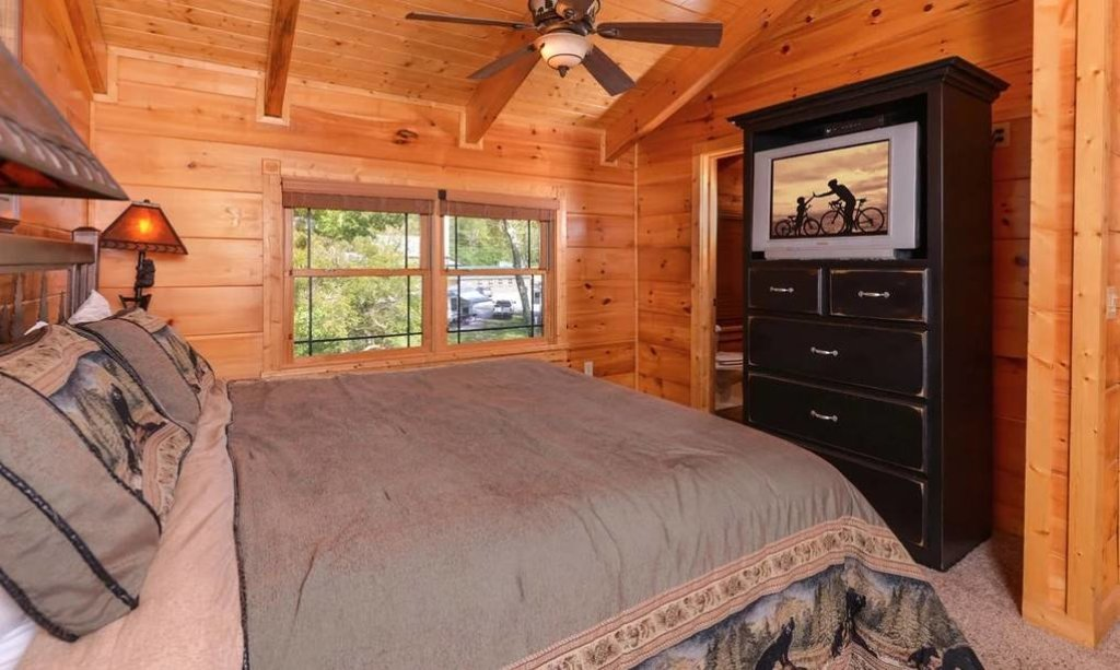 Photo of a Pigeon Forge Cabin named River's Edge - This is the tenth photo in the set.