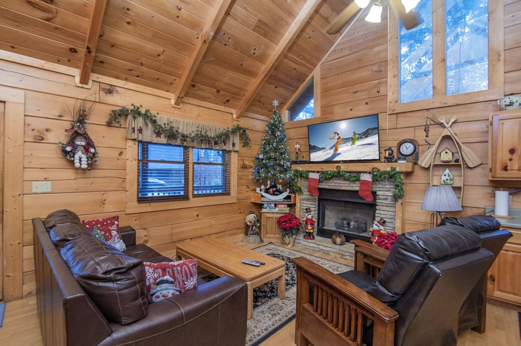 Photo of a Pigeon Forge Cabin named  Smoky Mountain Charm - This is the fourth photo in the set.