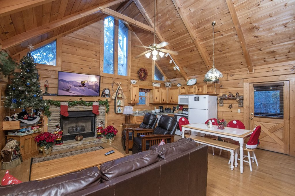 Photo of a Pigeon Forge Cabin named  Smoky Mountain Charm - This is the third photo in the set.