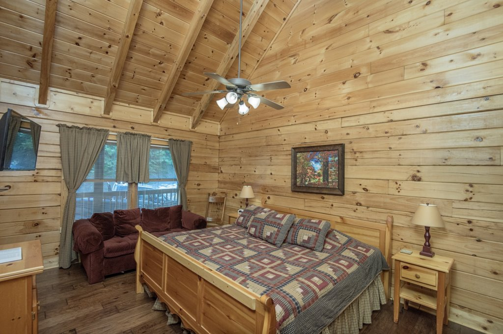 Photo of a Pigeon Forge Cabin named  Al's Nest - This is the eighth photo in the set.