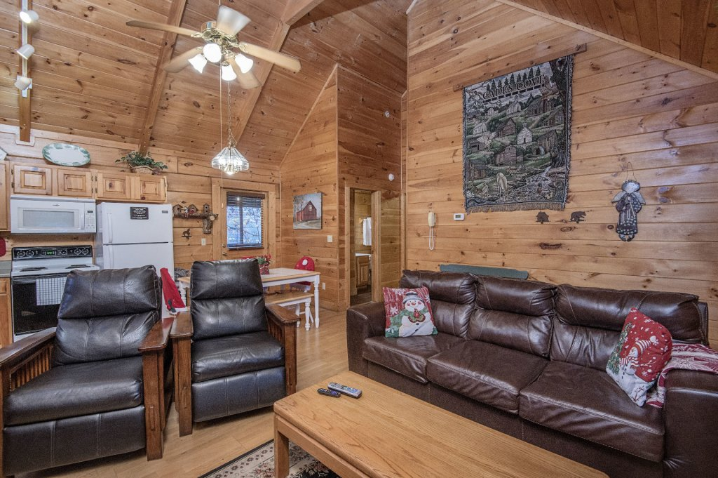 Photo of a Pigeon Forge Cabin named  Smoky Mountain Charm - This is the seventh photo in the set.