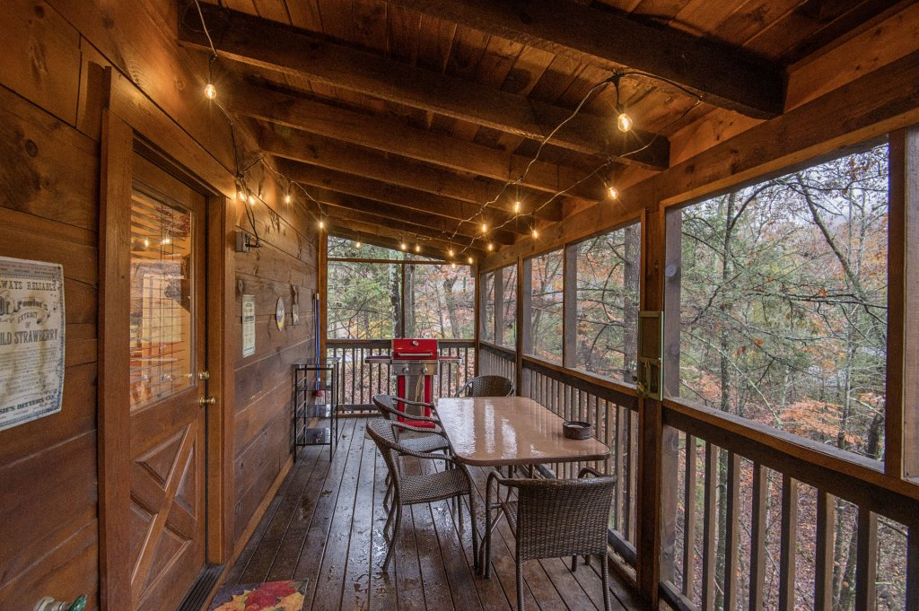 Photo of a Pigeon Forge Cabin named  Smoky Mountain Charm - This is the twenty-fifth photo in the set.