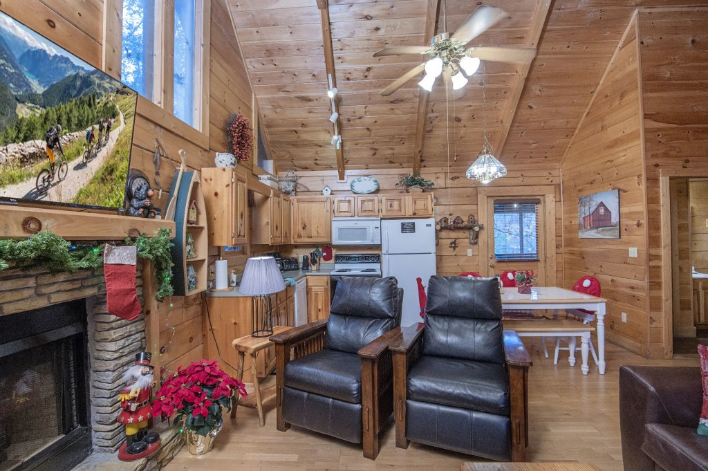 Photo of a Pigeon Forge Cabin named  Smoky Mountain Charm - This is the fifth photo in the set.