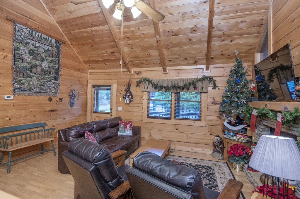 Photo of a Pigeon Forge Cabin named  Smoky Mountain Charm - This is the sixth photo in the set.